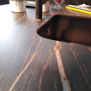 encimera porcelanico cava noir