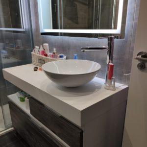 mueble de baño ceniza- solid surface